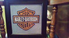 Quadretto Harley Davidson punto a croce foto lavoro autrice Fan su Facebook Debby Pittman (1)