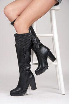 Vysoké topánky husto https   cosmopolitus.eu product-slo-49127 0230fe2e99d