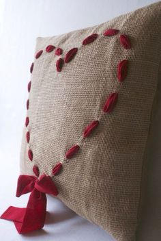 This looks like an easy Valentine's Day craft, especially if you can find a burlap pillow. Just add ribbon! Valentines Bricolage, Valentine Day Crafts, Valentine Decorations, Valentine Pillow, Burlap Crafts, Fabric Crafts, Sewing Crafts, Sewing Projects, Burlap Art