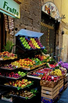Fruit and Vegetable Stand, Florence, Italy - I would like to visit there, purchase some nice fruit and then go sit at a cafe table and munch ; Fruit And Veg, Fruits And Vegetables, Fresh Fruit, Veggies, Vegetable Shop, Vegetable Stand, Farmers Market Display, Fruit Shop, Fruit Stands