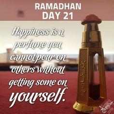 Twitter Allah Quotes, Quran Quotes, Hindi Quotes, Ramadan Day, Ramadan Mubarak, Ramzan Eid, Muslim Images, Best Islamic Quotes, Quran Verses
