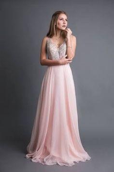 7b2946026 38 mejores imágenes de Vestidos de XV años color rosa palo