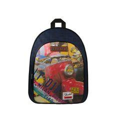 Rugzak met stoere rode scooter print. Ook verkrijgbaar met yellow cab! Stoer en groot genoeg voor al je schoolspullen!