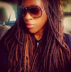 I love the coloring of her locs