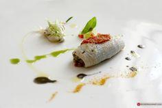 Ristorante Il luogo di Aimo e Nadia - Milano (MI) / Calamari farciti di cicale di mare, melanzane al miele di girasole ed olive Nolche, con sedano verde e carciofi liguri