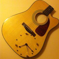 broken guitar into a clock Guitar Crafts, Guitar Diy, Guitar Room, Guitar Shelf, Guitar Storage, Broken Guitar, Home Music Rooms, Diy Clock, Diy Wood Projects