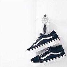 I had themm but not anymoree.but maybe im gonna buy them again😌 for cam🙃💋 Vans Sneakers, Sneakers Fashion, Cute Shoes, Me Too Shoes, Colour Combinations Fashion, Knee High Boots, Shoe Boots, Kitten Heels, Footwear