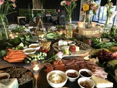 Love bringing the outside in and adding it to food. Grazing Tables, Brunch, Table Settings, Table Decorations, Inspiration, Food, Home Decor, Gourmet, Biblical Inspiration