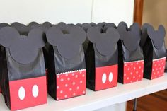 DIY Mickey and Minnie Party Favors Bag.