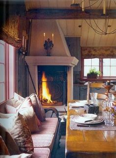 Are you lucky enough to have a living room with fireplace? A fireplace is an architectural structure designed to contain a fire. The idea of a corner fireplace living room is amazing. Home Interior, Interior And Exterior, Modern Interior, Design Salon, Fireplace Design, Fireplace Ideas, Cozy Fireplace, Corner Fireplaces, Classic Fireplace
