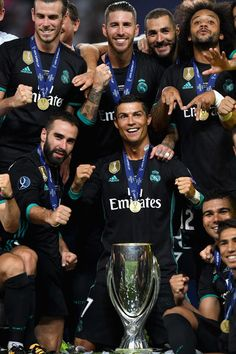 #halamadrid #real_madrid_love World Best Football Player, Real Madrid Football Club, Best Football Team, Football Players, Ronaldo Real Madrid, Real Madrid Time, Real Mardid, Marcelo Real, Messi
