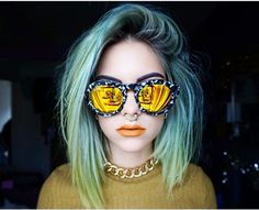 @sophiehannahrichardson styling the black and white DIFF Dime with fiery gold lenses. #diffeyewear