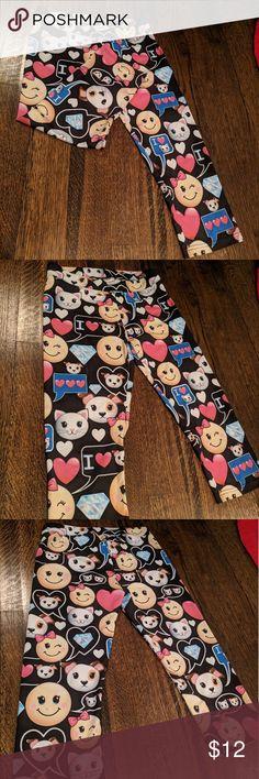 Girls Justice Emoji Capri leggings size 14 Girls Justice Emoji Capri leggings size 14 Justice Bottoms Leggings
