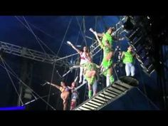 ▶ Tabares-ZAIA flying trapeze at Circus Vargas in Las Vegas.mp4 - YouTube