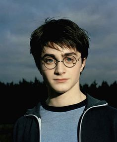 23 Photos Of Daniel Radcliffe Growing Up Before Our Eyes - 23 Photos Of Daniel Radcliffe Growing Up Before Our Eyes Harry Potter And The Prisoner Of Azkaban More - Harry Potter Tumblr, Harry James Potter, La Saga Harry Potter, Mundo Harry Potter, Harry Potter Pictures, Harry Potter Cast, Harry Potter Universal, Harry Potter Fandom, Harry Potter Characters