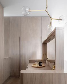 Dream closet.  \\\ Design: @luigirosselliarchitects \\\ Photo @justinalexanderphoto