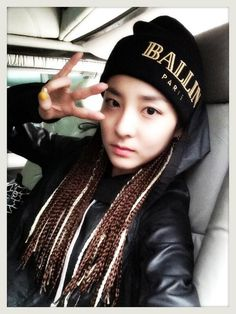 """Dara ~ """"Good bye~ Reggae Darong!!! I would like to thank Lee Chaerin-nim and three others for helping me let go of this hairstyle. (__)"""""""