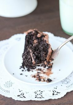 A flourless chocolate cake that's so decadent you'll never guess it was made from quinoa! #glutenfree #quinoa #dessert www.makingthymeforhealth.com