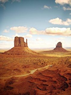 Loving this image of Monument ValleyYou can find Monument valley and more on our website.Loving this image of Monument Valley Road Trip Usa, Usa Roadtrip, Cheap Vacation Spots, Vacation Places, Vacations, Monument Valley, Arizona, Grand Parc, Into The West