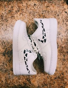 outfits with air force ones - outfits . outfits for school . outfits with leggings . outfits with air force ones . outfits for summer . outfits with sweatpants Dr Shoes, Cute Nike Shoes, Cute Nikes, Cute Sneakers, Hype Shoes, Nike Custom Shoes, Sneakers Nike, Cute Nike Outfits, Baby Shoes