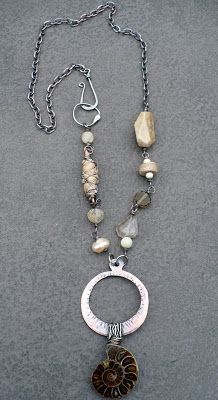 livewire jewelry - love the hook clasp on the side