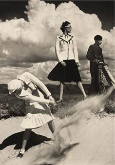 norman parkinson lady golfers in the bunker... so chic!