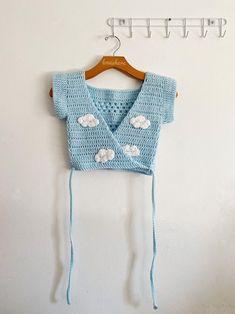 Bikinis Crochet, Crochet Bra, Crochet Shirt, Crochet Crop Top, Cute Crochet, Crochet Clothes, Diy Clothes, Crochet Hats, Crotchet