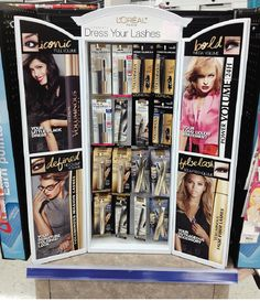 L'Oreal Dress your Lashes display