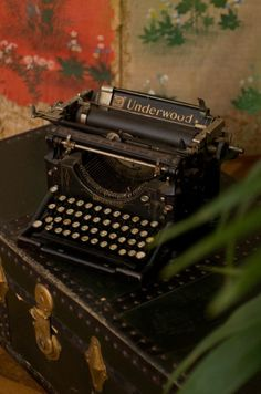 1000 ideas about typewriters on pinterest vintage - Machine a ecrire underwood ...