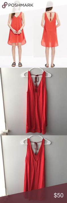 Madewell Havana Cover-Up Dress Madewell Havana Cover-Up Dress in Tropical Coral. Gauzy, swingy silhouette. Worn at most twice – no stains, snags, holes, or pilling – in excellent, pre-owned condition. Bundle & save 💰! Sorry - 🚫 trades! Madewell Swim Coverups