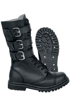 """Anfibi """"Phantom 3 Buckle"""" del brand #Brandit con 3 fibbie sul gambale. Comodi da indossare, tengono il piede al caldo. Altezza gambale: 26 cm. Con punta in acciaio. Attenzione! E' consigliabile ordinare una taglia superiore."""