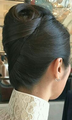 Rolled Hair, Roll Hairstyle, Super Long Hair, Hair Dos, Dress Outfits, Dresses, Japan, Long Hair Styles, Sexy