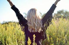 #ladymandala #boho #bohemian #fringe #jacket #fringes #fringejacket #black #blonde #hair #longhair #ootd #outfit #look #bohojewelry #bohochic #gypsy #jewelry #gypsyjewelry #shooting #blogger #barcelona