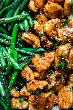 Crispy Chicken Stir Fry with Blistered Green Beans by The Modern Proper Quick, easy and delicious, this crispy chicken stir-fry with blistered green beans and a garlicky sauce is perfect for a better-than-takeout weeknight dinner! Stir Fry Greens, Stir Fry Green Beans, Chicken Green Beans, Fried Green Beans, Wok Recipes, Healthy Chicken Recipes, Asian Recipes, Cooking Recipes, Healthy Chicken Stir Fry