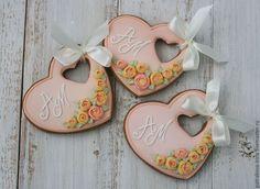 Купить Пряники-подарки гостям на свадьбу. - розовый, расписные пряники, пряники на заказ, имбирное печенье