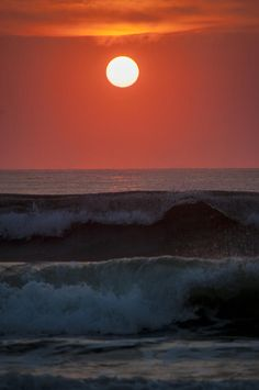 Two waves by Island Sunrise and Sunsets Pieter Jordaan Amazing Sunsets, Beautiful Sunset, Beautiful Beaches, Beautiful World, Ocean Beach, Ocean Waves, Nature Pictures, Beautiful Pictures, A Lovely Journey