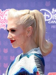 Gwen Stefani peinado pin up Vintage Ponytail, Gwen Stefani Hair, Gwen Stefani Style, Retro Hairstyles, Ponytail Hairstyles, Wedding Hairstyles, Rockabilly Hair, High Ponytails, Up Dos