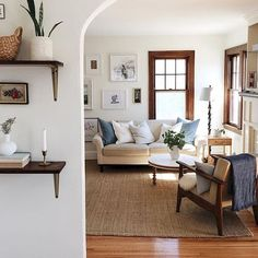 Beautiful French Country Living Room Decor Ideas (9)