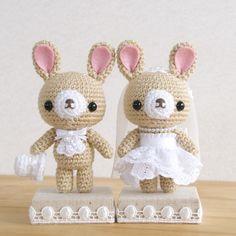 These are the amigurumi I'm making. I will not post a pattern. Crochet Case, Cute Crochet, Crochet Dolls, Handmade Soft Toys, Handmade Crafts, Easy Crochet Patterns, Amigurumi Patterns, Wedding Doll, Crochet Rabbit