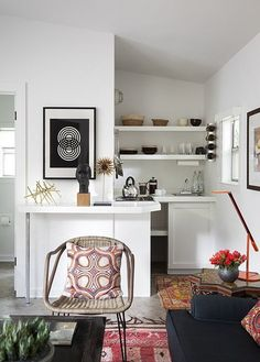 A Casual & Eclectic Guesthouse in Austin — Professional Project | Apartment Therapy