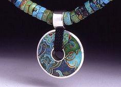 Rosemary Zeeman http://www.enamellers.org/gallery_members/zeeman.html