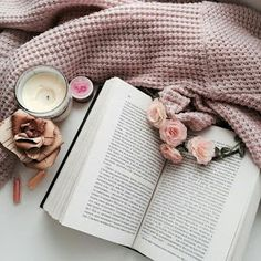 Ideas Style Hipster Photography For 2019 Flat Lay Photography, Book Photography, Vintage Photography, Fashion Photography, Photography Flowers, Street Photography, Hipster Photography, Photography Women, Product Photography