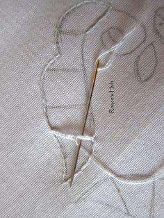 Cutwork Embroidery is made up of mainly buttonhole bars , eyelets and the cut, raw borders secured with buttonhole stitch or satin stitch. Baby Embroidery, Hardanger Embroidery, Embroidery Hoop Art, White Embroidery, Hand Embroidery Designs, Embroidery Stitches, Learning To Embroider, Hand Embroidery Videos, Brazilian Embroidery