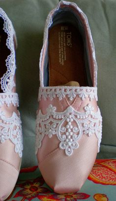 Adorable Custom Pink Lace Toms!!
