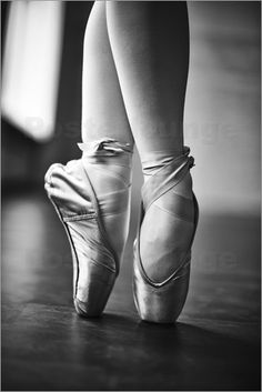 70 All-Time Best Ballet Quotes & Sayings with Images Outdoor Dance Photography, Photography Ideas, Ballet Tattoos, Famous Ballets, Ballet Quotes, Foot Pictures, Ballet Beautiful, Pointe Shoes, Dance Photos