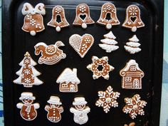 Honey Cookies, Sugar Cookies, Gingerbread Man Cookies, Christmas Cookies, Christmas Pictures To Draw, Christmas Decorations, Holiday Decor, Cookie Decorating, Icing