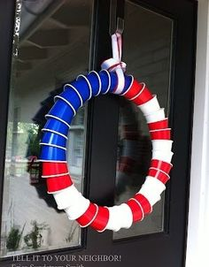 This Solo Cup Wreath is the Most Merican Way to Celebrate the 4th - http://lol4eva.com/uncategorized/this-solo-cup-wreath-is-the-most-merican-way-to-celebrate-the-4th/