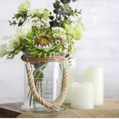 These glass vases with printed message come with a stylish jute handle. They suit medium sized floral arrangements. Clear Glass Vases, Glass Jars, Flower Vases, Flower Pots, Colored Vases, Florist Supplies, Simple Living Room, Glass Terrarium, Real Plants