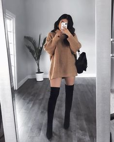 22 Perfect Fall Outfits For College Outfits 2019 Outfits casual Outfits for moms Outfits for school Outfits for teen girls Outfits for work Outfits with hats Outfits women Sporty Outfits, Winter Fashion Outfits, Mode Outfits, Look Fashion, Girl Outfits, Modern Fashion Outfits, Fitness Outfits, Autumn Outfits, 2000s Fashion