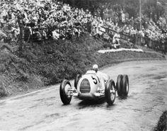 1936 Auto Union Typ C ✏✏✏✏✏✏✏✏✏✏✏✏✏✏✏✏ IDEE CADEAU / CUTE GIFT IDEA  ☞ http://gabyfeeriefr.tumblr.com/archive ✏✏✏✏✏✏✏✏✏✏✏✏✏✏✏✏